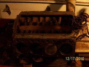 1952 Chrysler 331 ci Hemi motor
