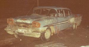 1958 Pontiac Strato-Chief 4-Door Sedan